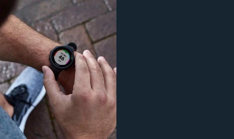 Garmin Forerunner 45 Smartwatch com GPS integrado